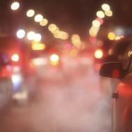Smog samochodowy na ulicy i w domu - jak z nim walczyć?